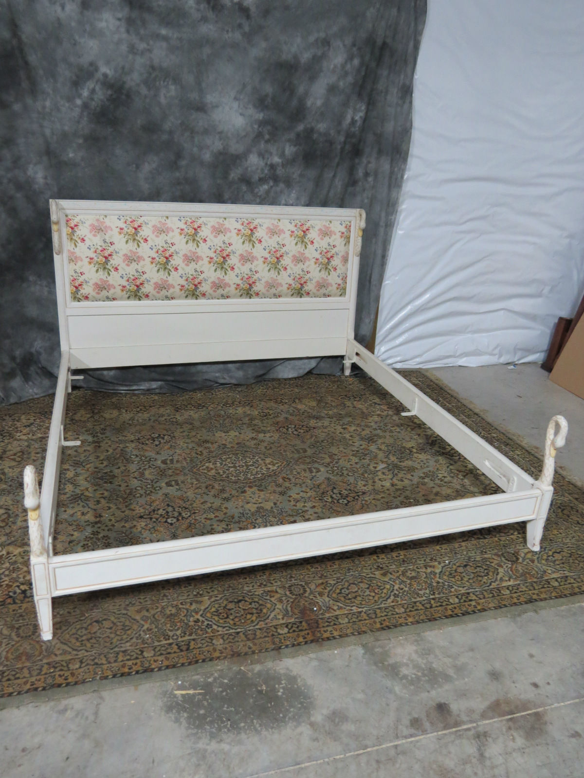 Swan Modern Platform Bed: Shabby Chic King Size Bed