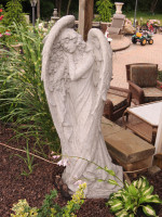 concrete-angel-statue